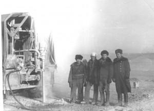 Монгольские товарищи бурят нашу выемку. 1984 год.