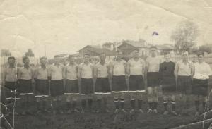 """""""Торпедо"""" Тюмень 1951 год. Пятый слева - Г.Гусев."""