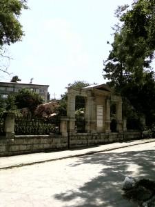 Место, где ул.Айвазовского примыкает к Армянской: обратите внимание на асфальт.