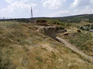 Вид на фрагмент башни Св. Фомы и ул. Сейсмическую - по сути засыпанный канал.