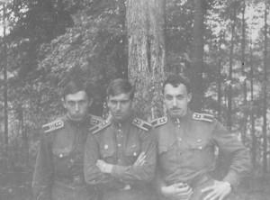 Вовчик, я и Слоник перед госами. Луга, 1970 год.