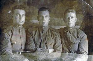 Брянцев с фронт.друзьями. 8 июля 1943 г.
